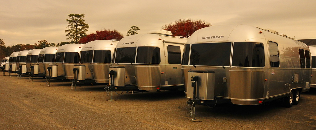 Colonial Airstream And My First Tow 171 Glamper An